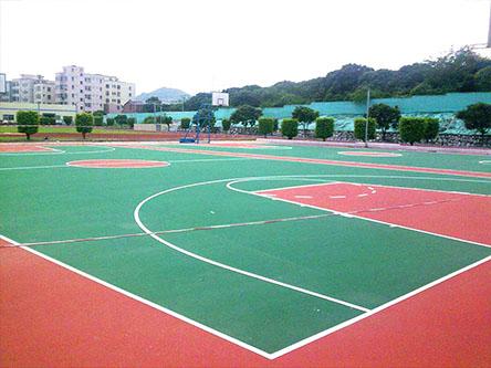 大学塑胶篮球场及围网验收合格